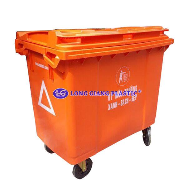 http://www.nhualonggiang.com/Data/Sites/1/Product/2240/thung-rac-nhua-1000-lit.jpg